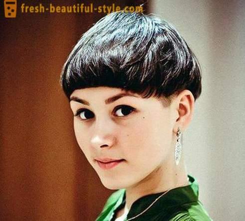 Coupe de cheveux fГ©minine intГ©ressante pour les cheveux courts